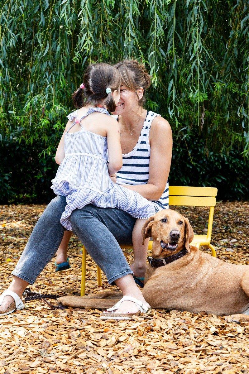 Familienidylle mit Hund