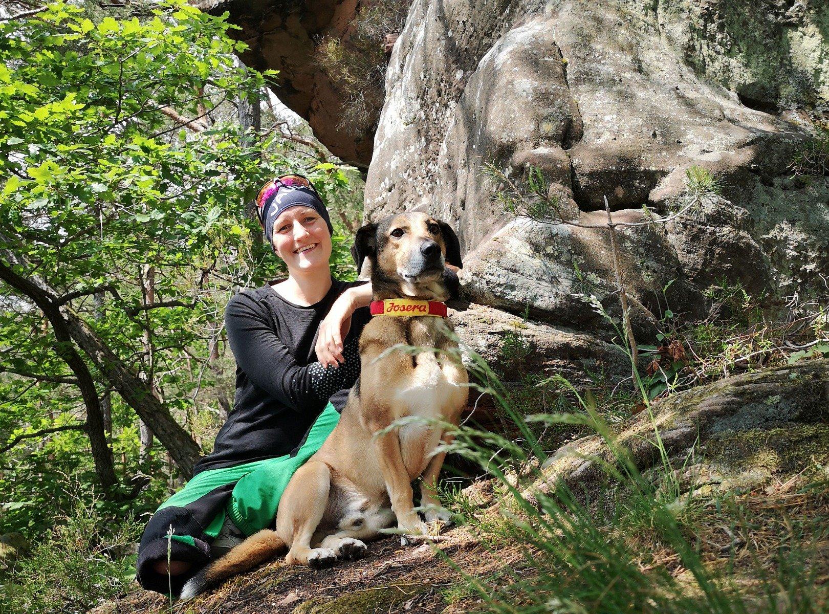 wandern mit hund in den bergen
